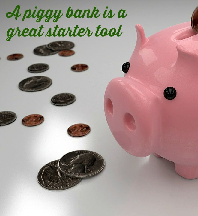 teach kids to save money with a piggy bank