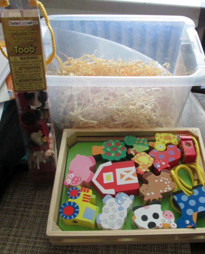 farm sensory bin items