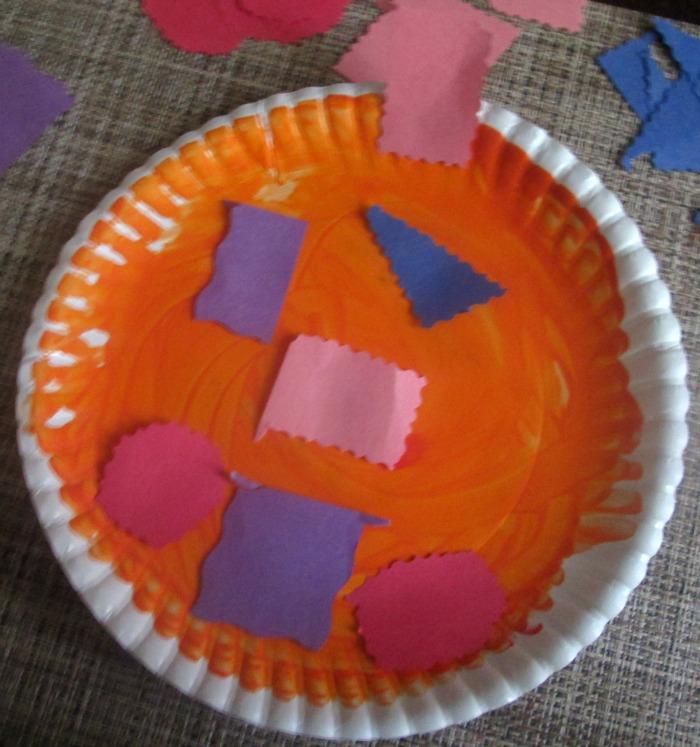 complete paper plate pumpkin