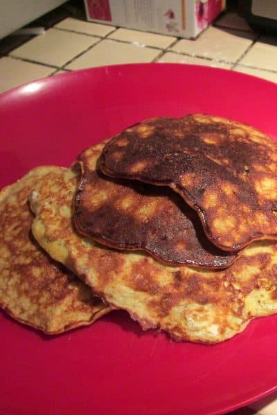 Cinnamon, Almond, and Banana Pancakes