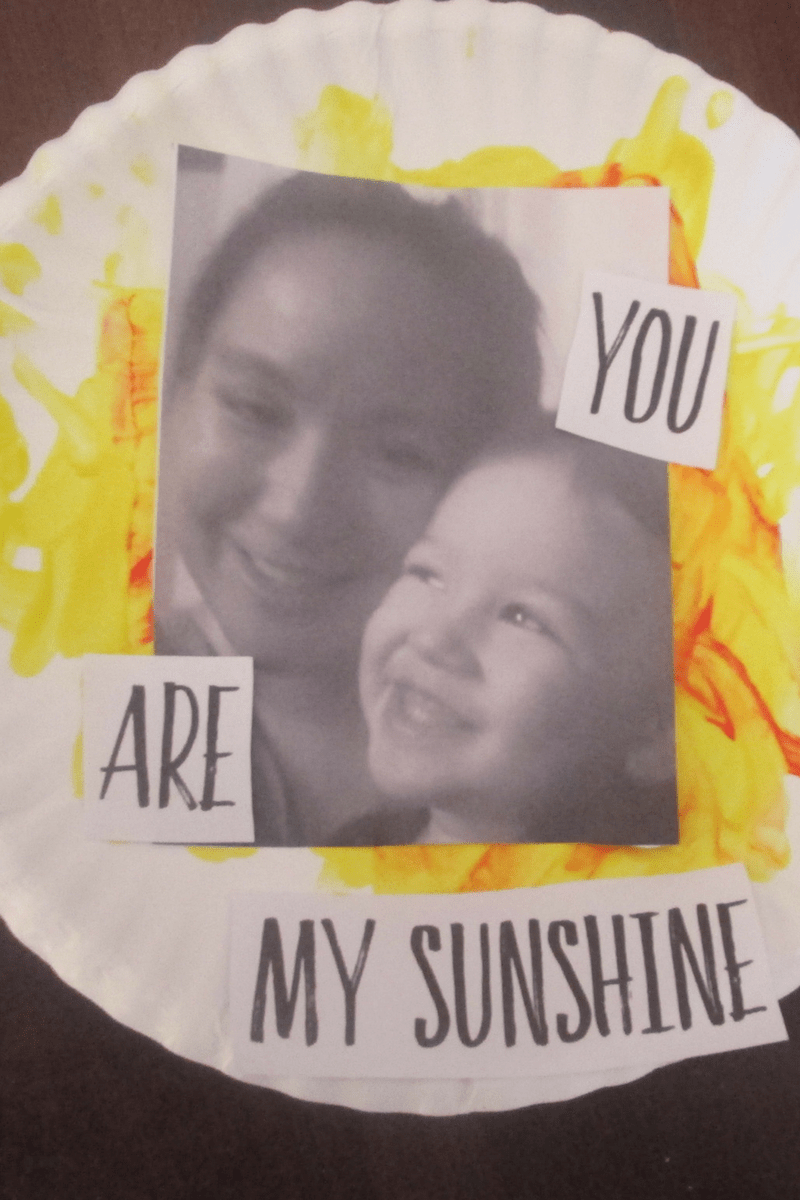 You Are My Sunshine Paper Plate Mother's Day Craft Idea 1