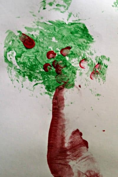 How to Make a Footprint Apple Tree Keepsake