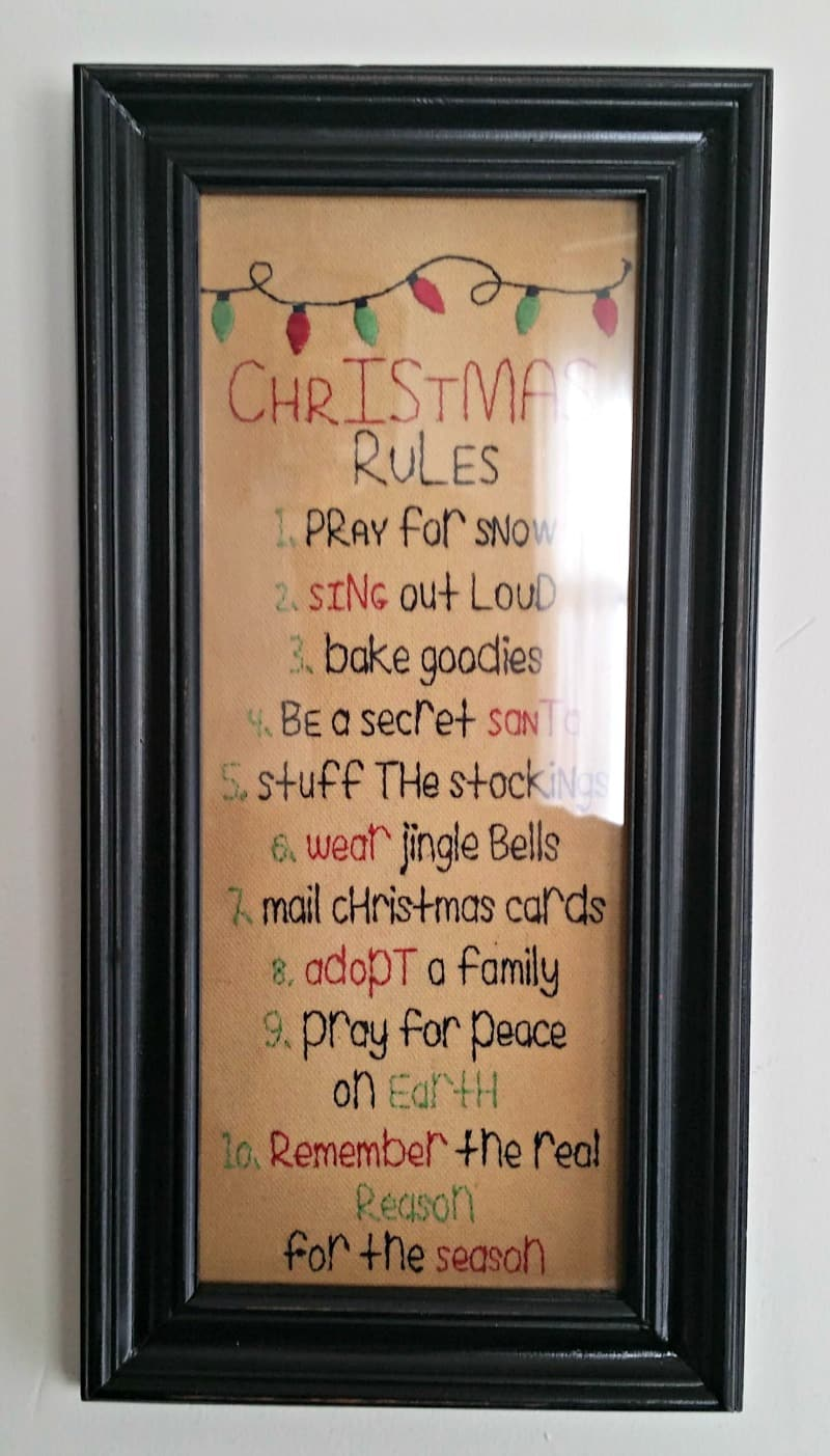 christmas-rules-plaque-for-the-living-room