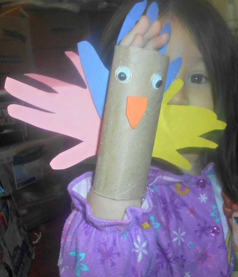 handprint-toilet-paper-roll-turkey-doubles-as-a-puppet