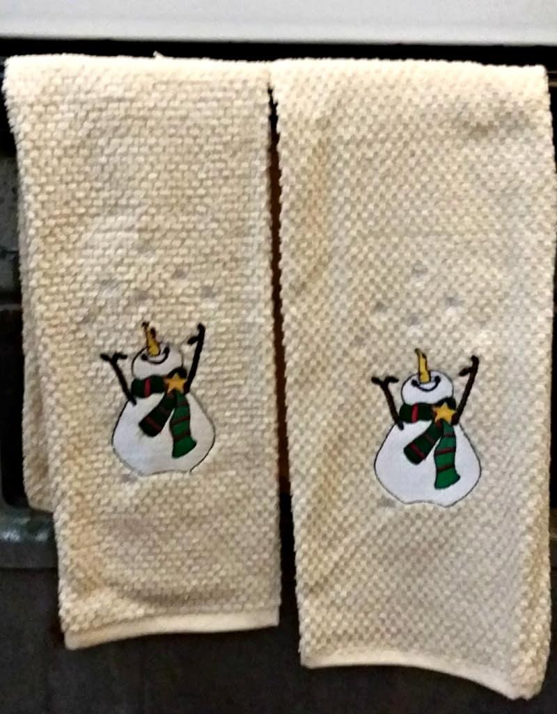 snowman-kitchen-towels-to-hang-on-the-oven-door