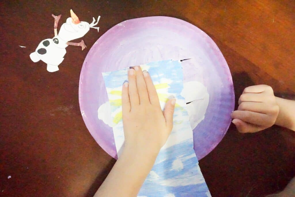 Easy and Cute Olaf Paper Plate Craft for Kids 9