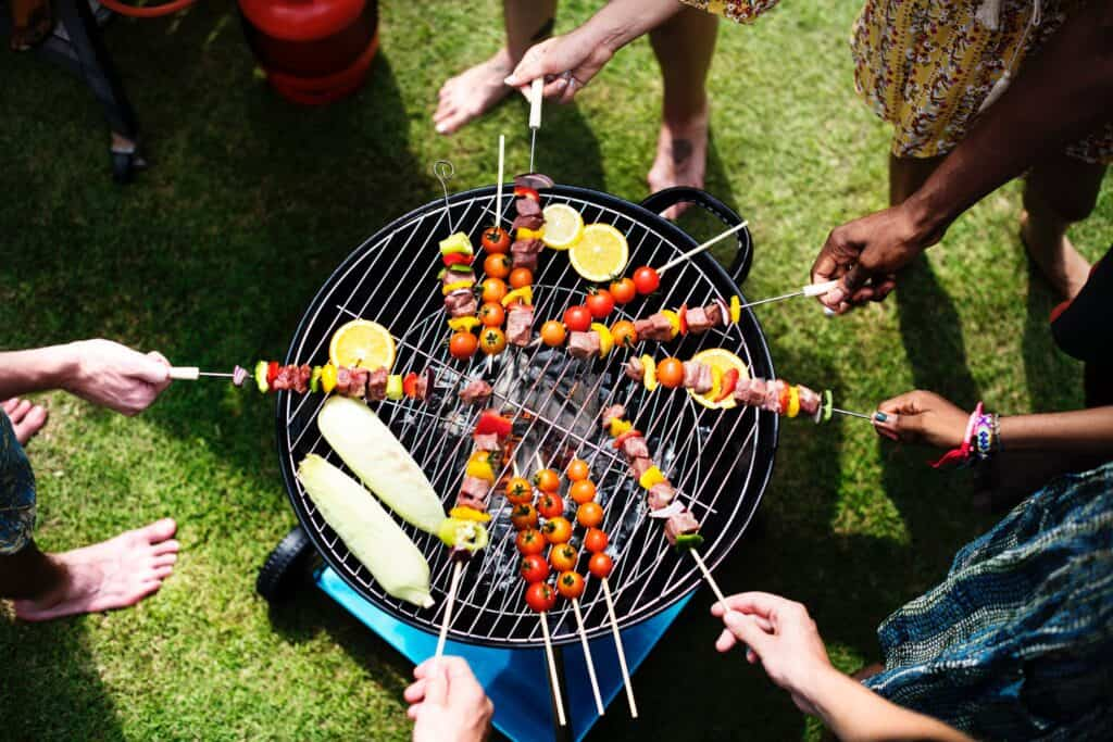 How To Create The Perfect Outdoor Cooking Area For All Seasons 1